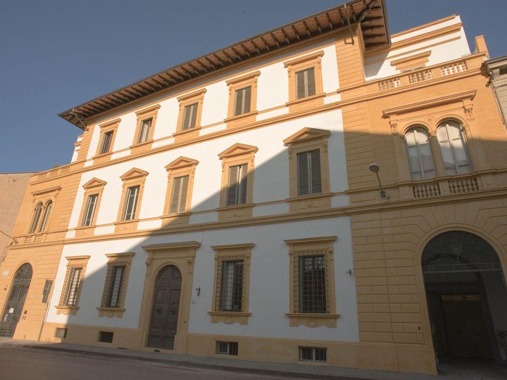 Práctico alojamiento en Florencia de 4 habitaciones