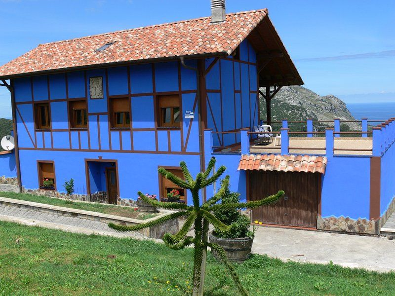A golfview country Basque house