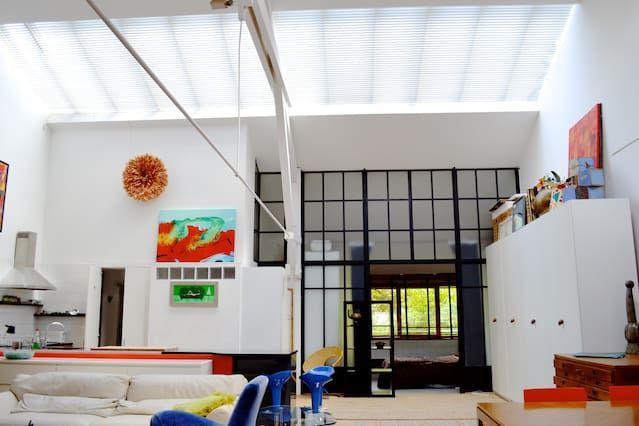 Paris Artist's Loft: Vast 3br2b