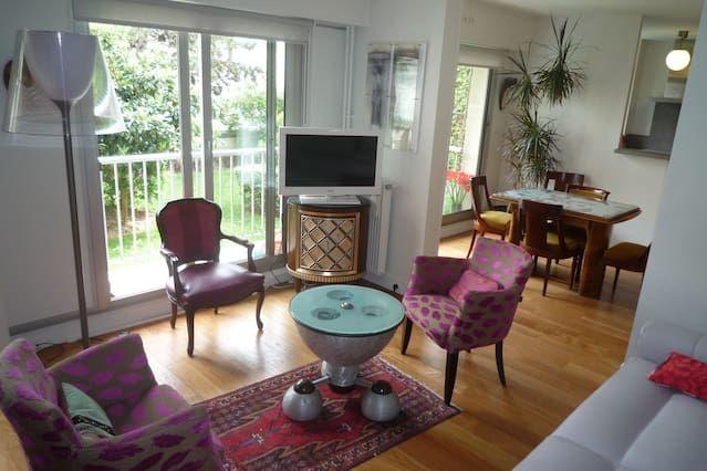 Logement de 5 chambres à París