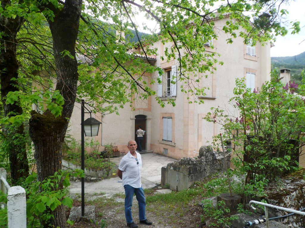 Vivienda con jardín en Annot