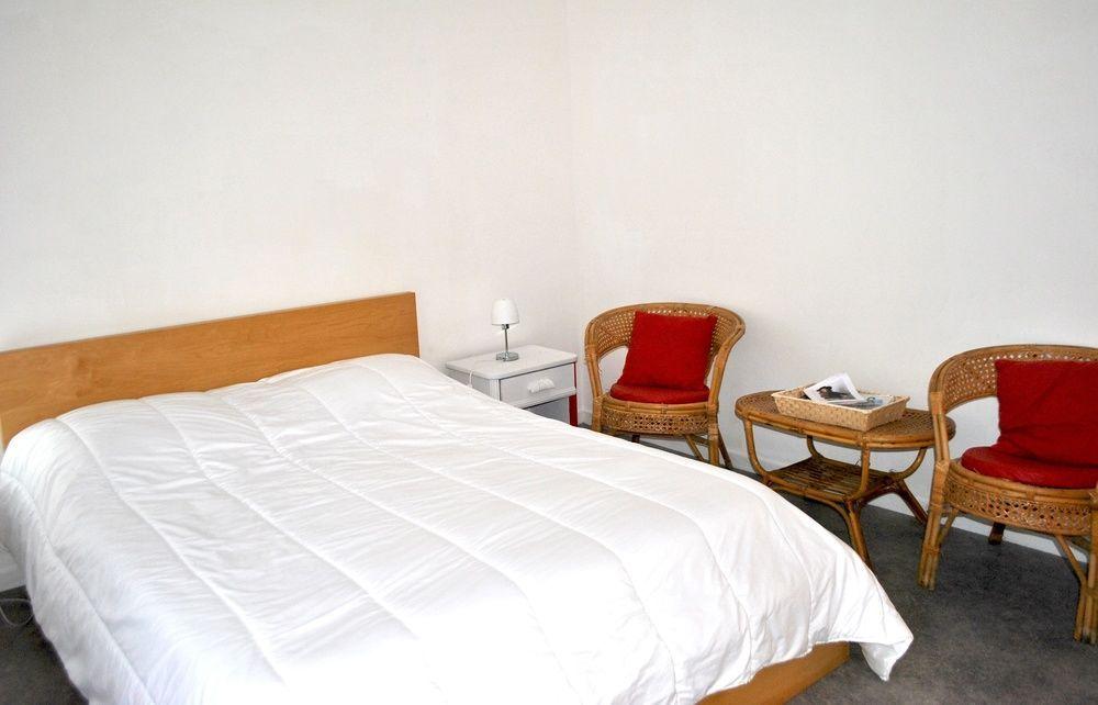 Alojamiento de 4 habitaciones con balcón
