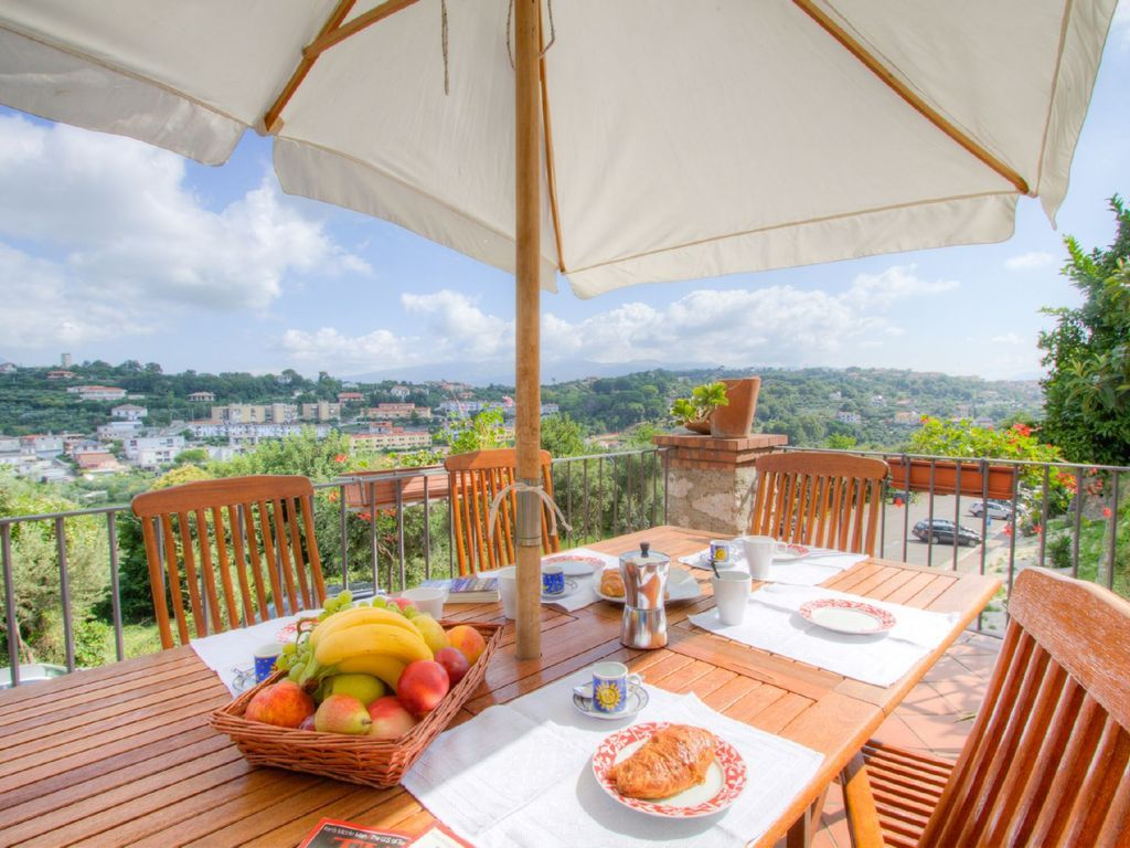Impresionante Casa con 4 dormitorio(s) en Baia Domezia con Aire acondicionado, Aparcamiento, Piscina y Terraza