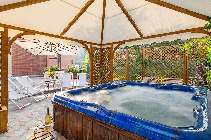 Vivienda con piscina para 8 personas