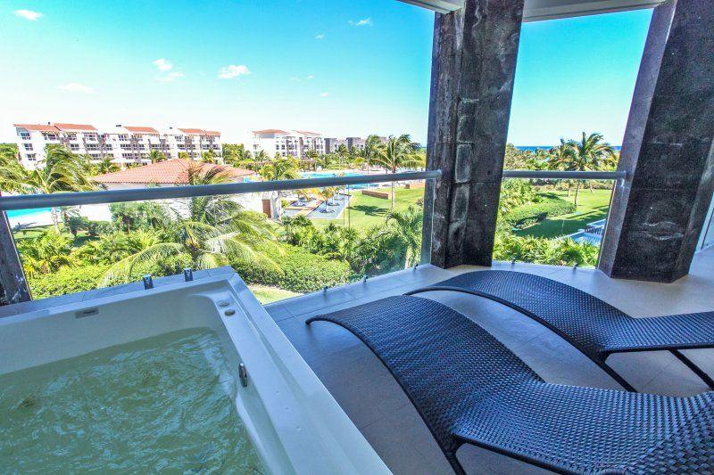 Ocean View Golf Course Luxury Condo - Buena Vida