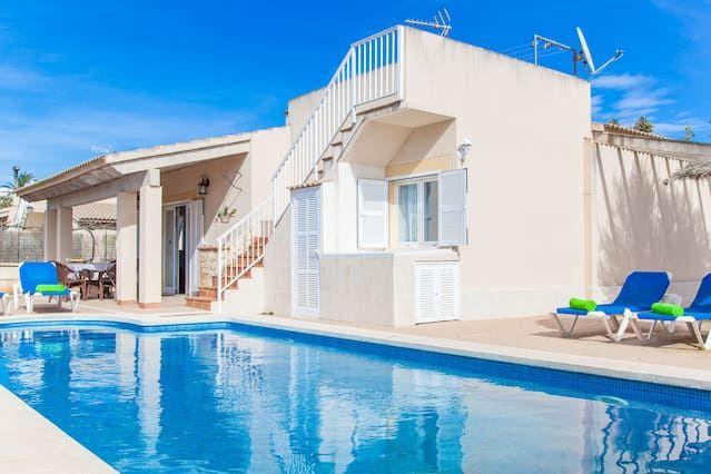 Residencia en Muro con piscina