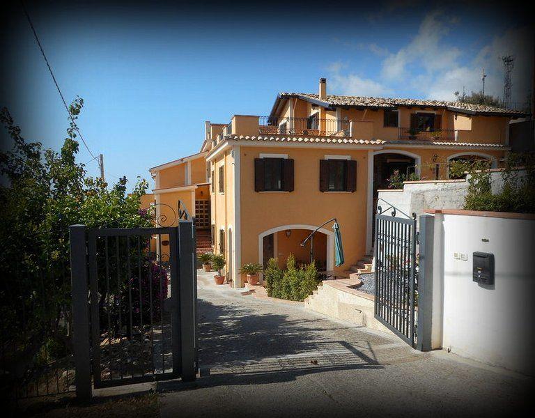 Alojamiento provisto en Belmonte calabro