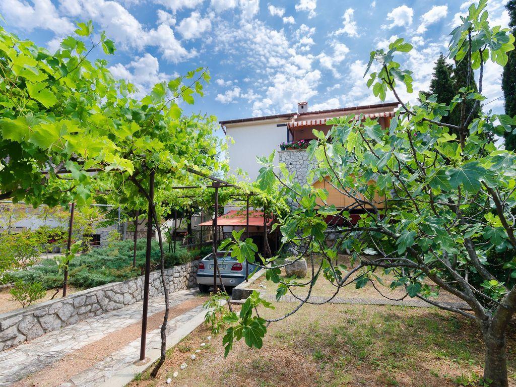Apartment auf 75 m² in Punat - island krk
