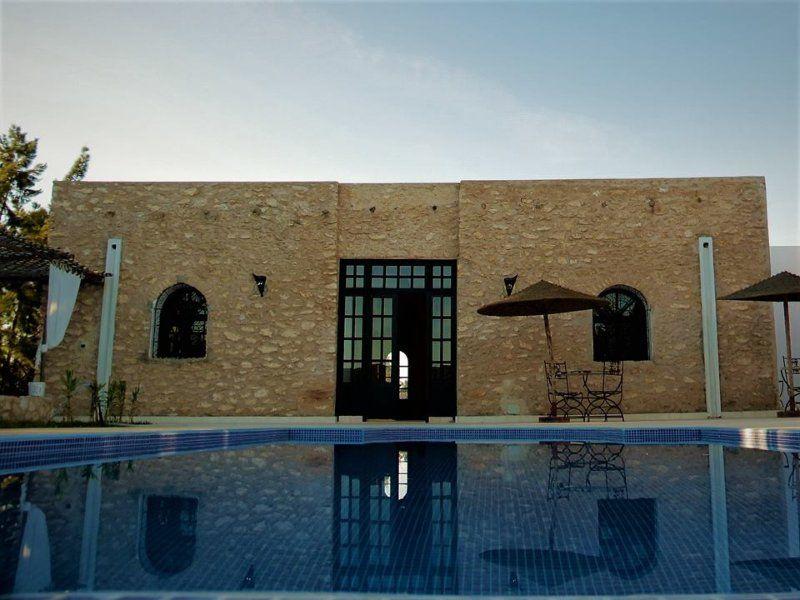Alojamiento provisto en Ghazoua
