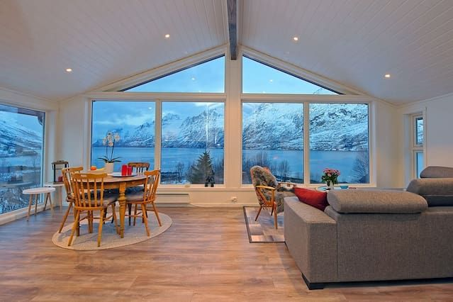 Renovated barn by the oceanfront in Ersfjordbotn