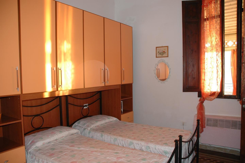 Apartamento para 6 personas (+2 opcional) en la playa de Follonica.