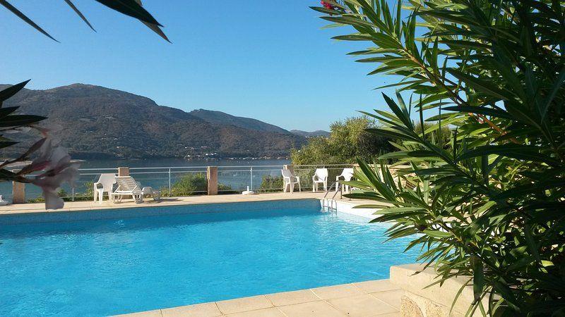 Logement attractif à Calcatoggio