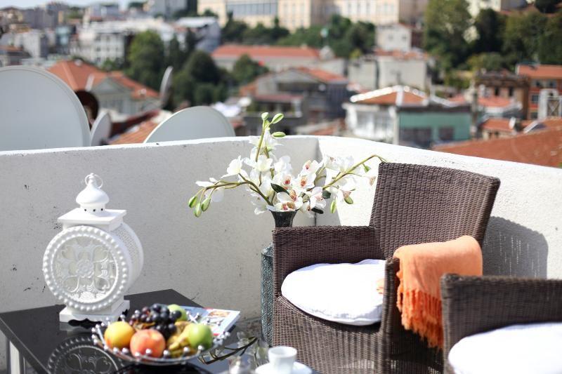 Patika Suites - Black Opal 1 BR Penthouse