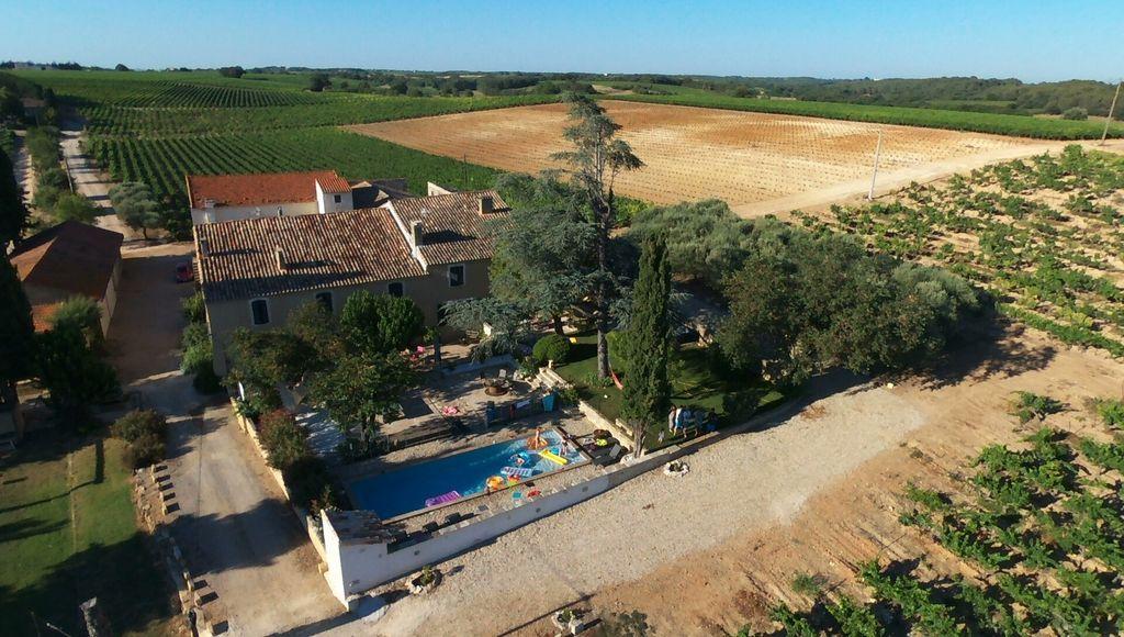 Residencia de 350 m² con jardín