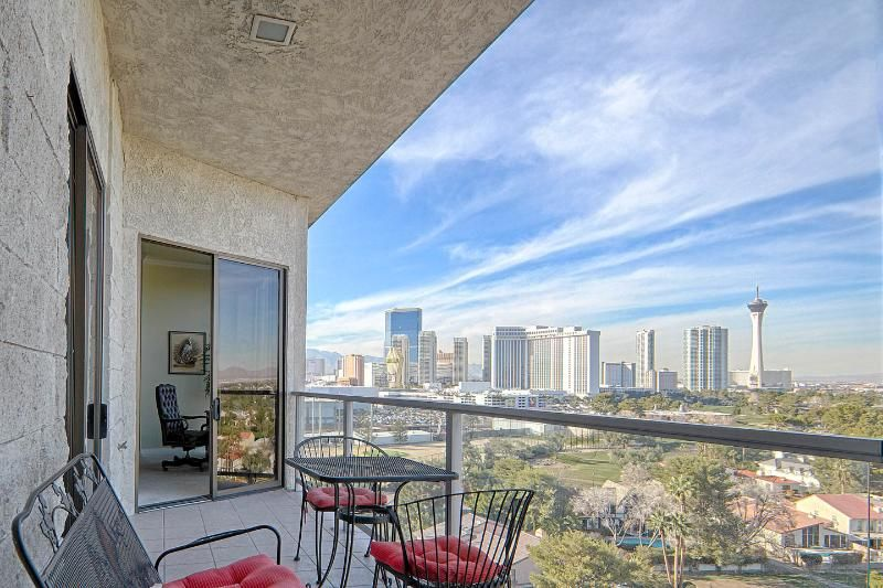 ***LAS VEGAS PENTHOUSE WITH BREATHTAKING VIEWS***