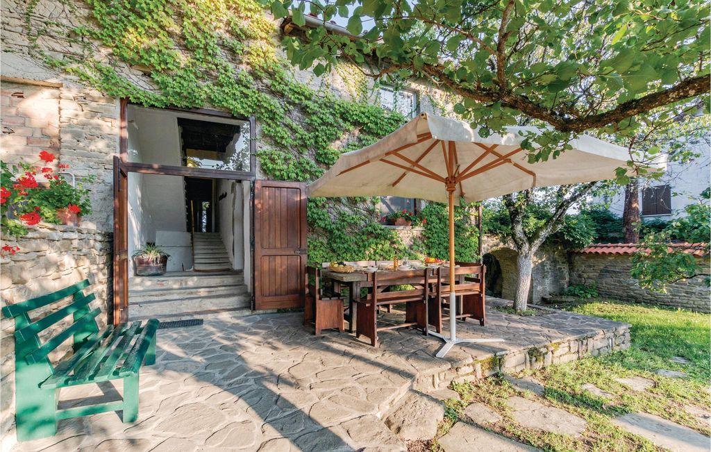 Familiar alojamiento en Borgo val di taro pr