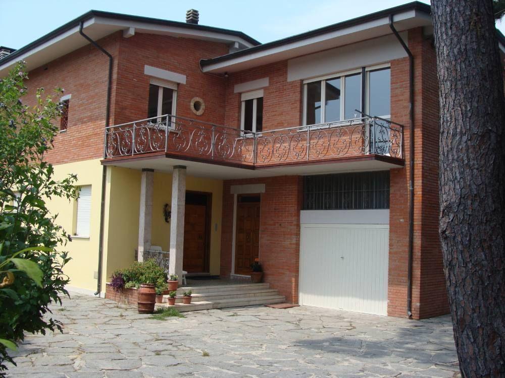 Casa con parking incluído en Santo stefano di magra