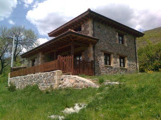 Hogareña residencia en Triollo