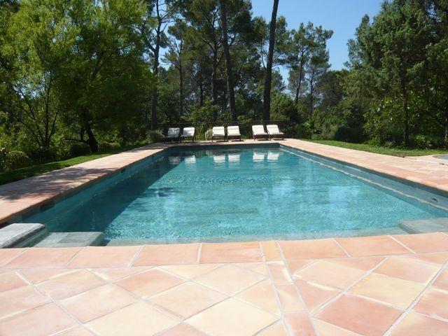 Lujo villa provenzal en un terreno privado con piscina