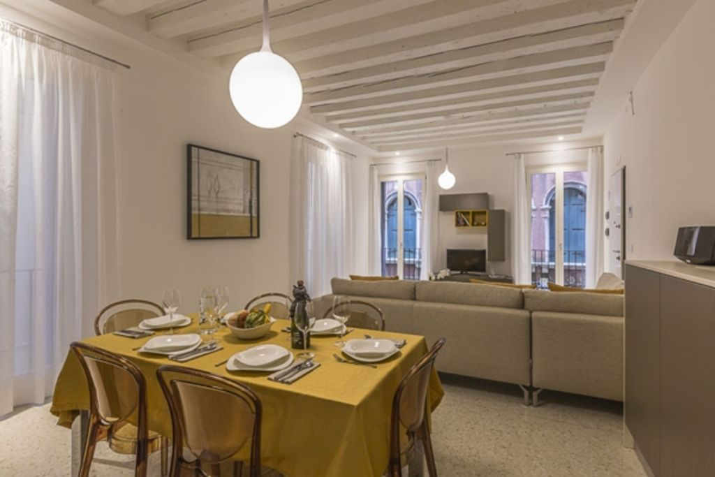 Tourist Apartment of 90 metres squared  in Venice