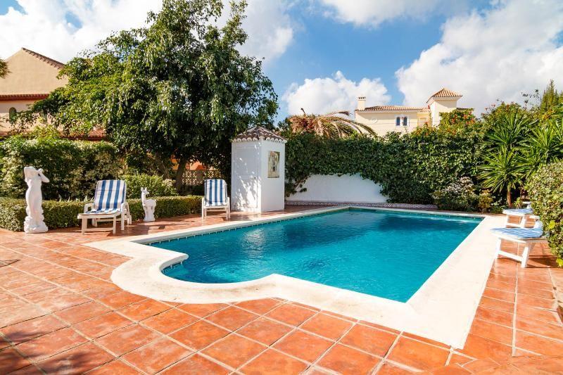 Lovely Villa in Fuengirola, Private Pool & Garden