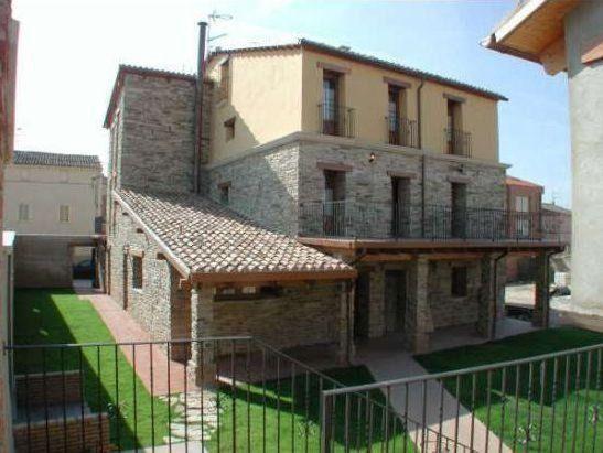 Alojamiento de 5 habitaciones en Alcanadre