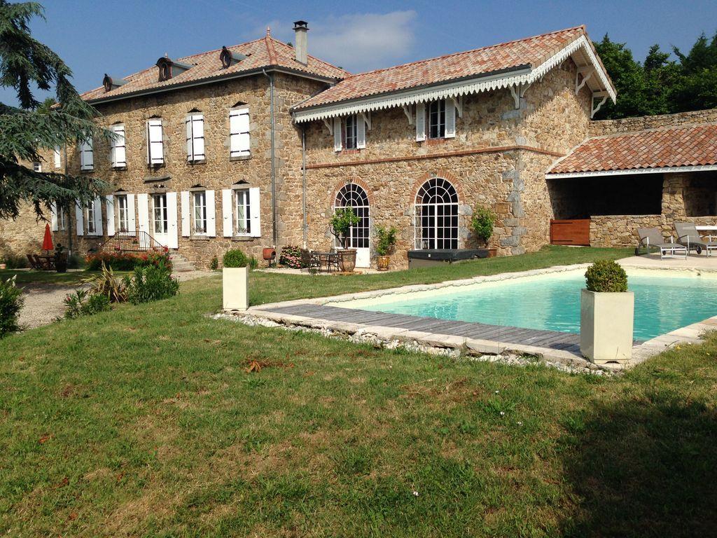 Alojamiento en Annonay para 18 personas