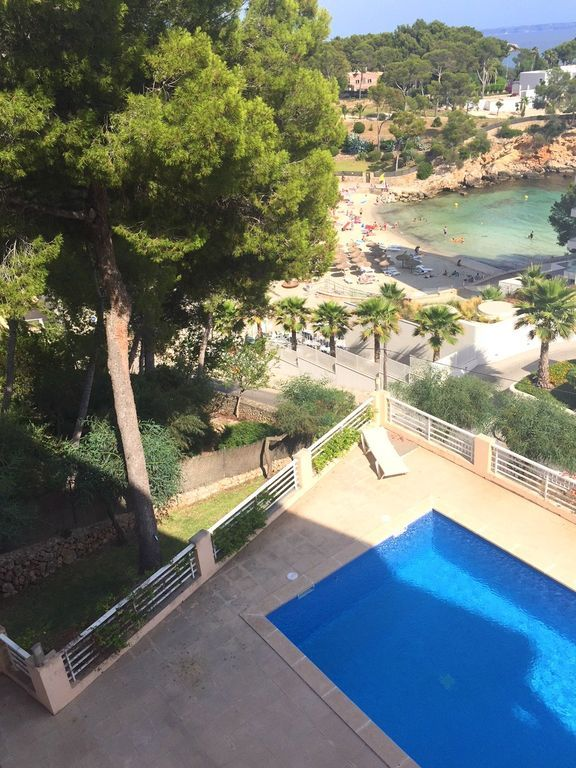Flat with swimming pool and 3 rooms