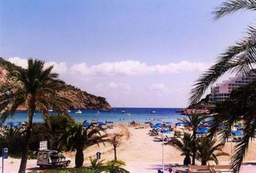 Apartment in Cala llonga for 4 guests
