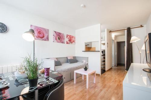Provisto apartamento con parking incluído