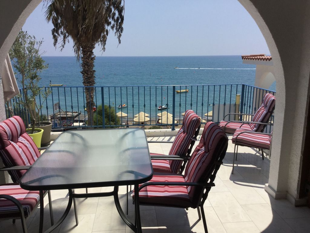 Flat for 4 people in Pissouri