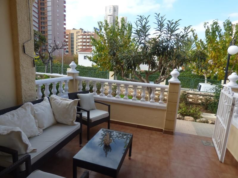Central accommodation in Benidorm with Parking and Garden