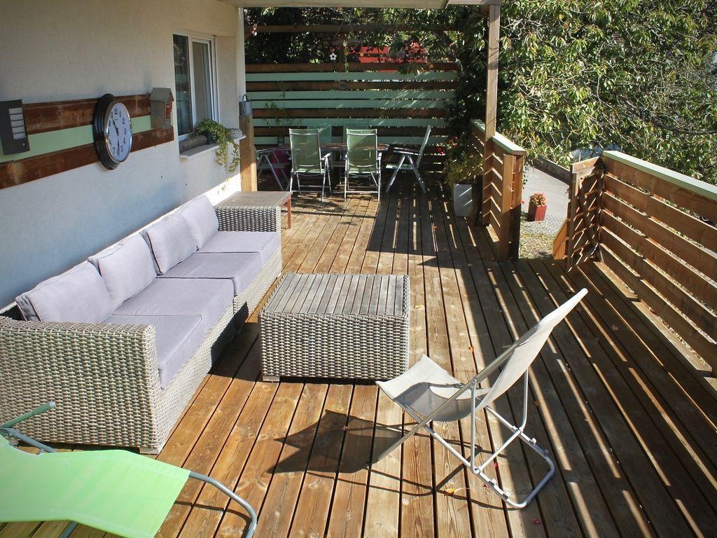 Vivienda con jardín para 6 personas