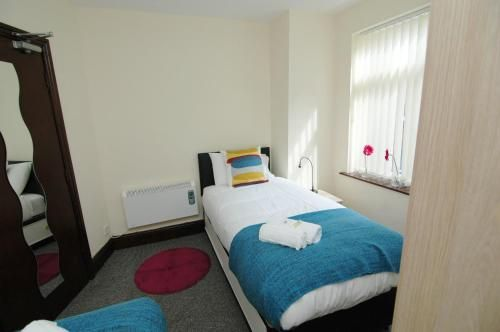 Flat in Bolton with 1 room