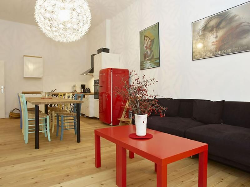 Helmholz Ost apartment in Prenzlauer Berg with WiFi & lift.