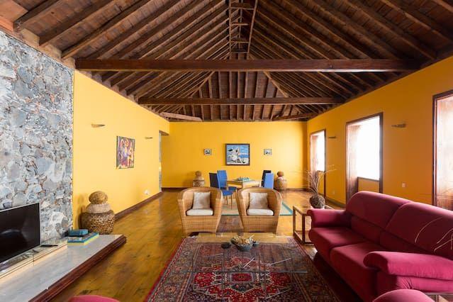 Apartamento con balcón para 3 huéspedes