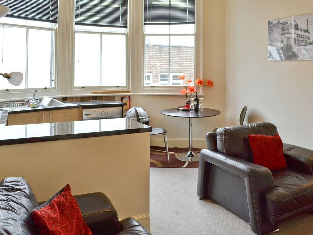 Comfortable accommodation with  Internet in York