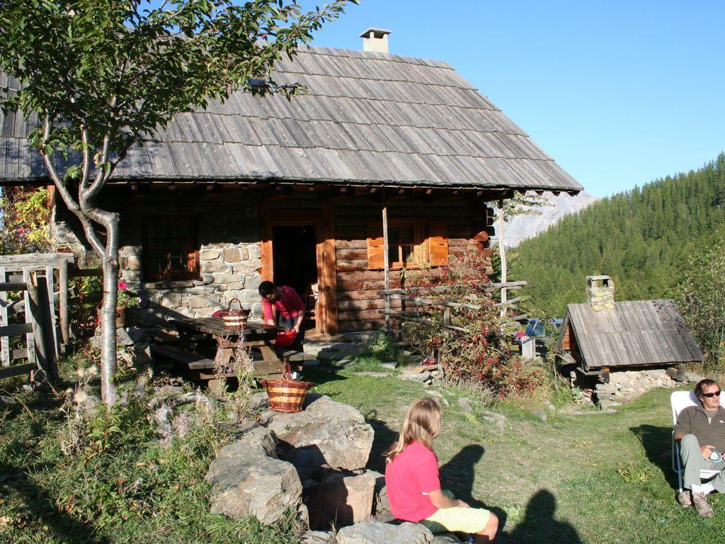 Residencia de 60 m² con jardín