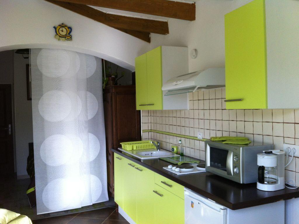 Apartamento de 1 habitación con jardín