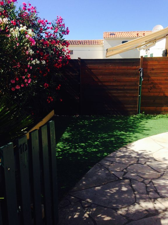Alojamiento apto para mascotas con jardín