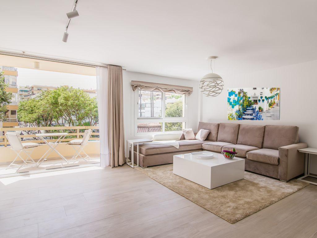 90 m² property