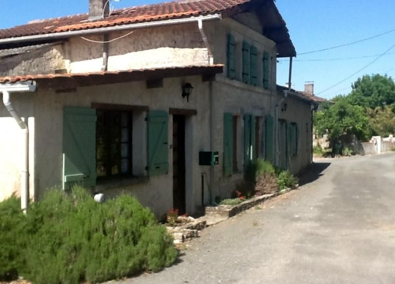 Farmhouse in Nantille, Saint-Jean-D'Angely, C