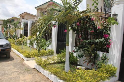 Vivienda hogareña con jardín