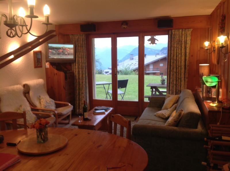 Esquiadores Chalet Apartamento con vistas a la montaña, patio, garaje, cerca de Medran Ascensor