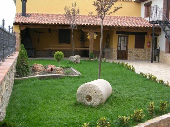 Residencia en Cella con jardín