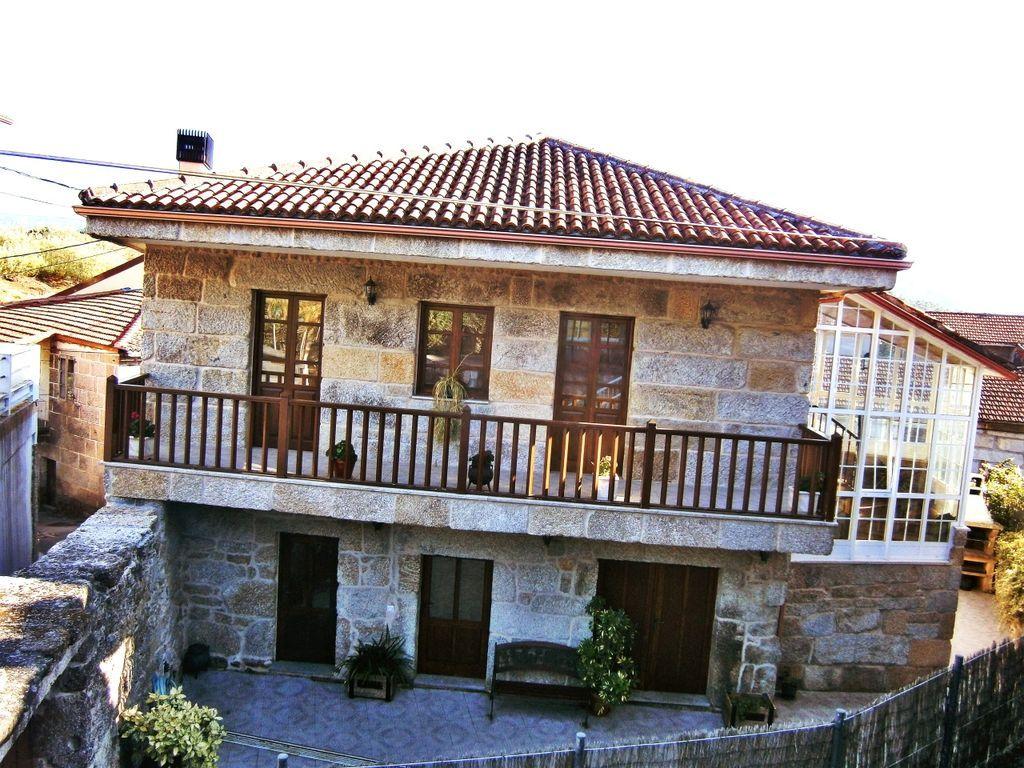 Residencia con balcón de 4 habitaciones