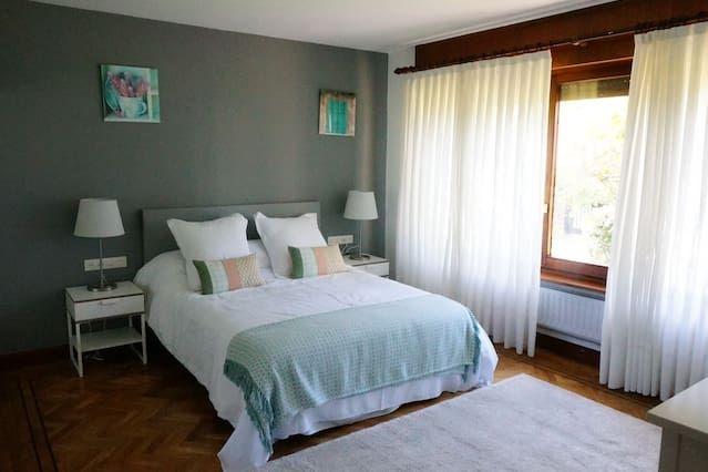 Residencia con balcón para 18 huéspedes