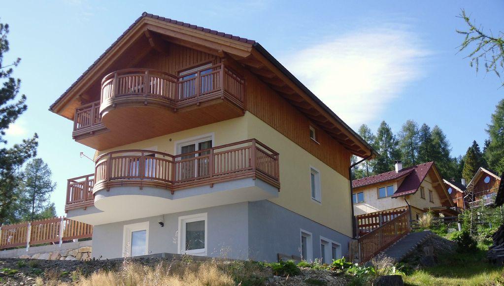 Piso equipado con balcón