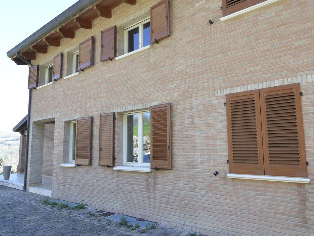 Casa de 140 m² en Montecolombo - montescudo
