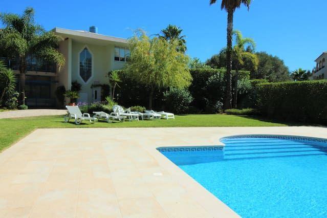 tranquilo apartamento excelente en el campo de golf Laguna - Cerca de las playas y el puerto deportivo.